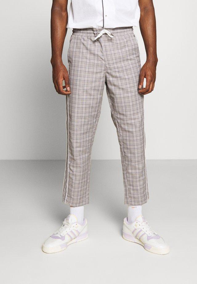 JJIACE JJJOHN JJPANT CHECK - Trousers - white