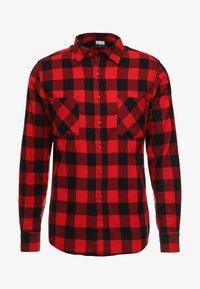 Urban Classics - CHECKED - Shirt - black/red - 4