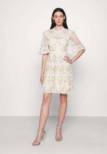 REVERIE ROSE MINI DRESS - Koktejlové šaty/ šaty na párty - champagne