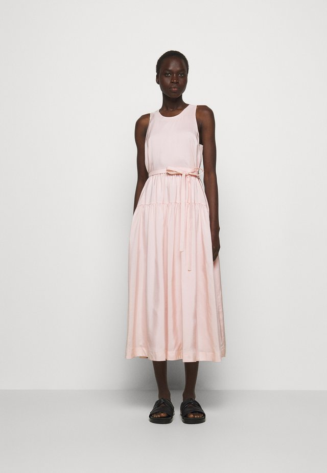 SLEEVELESS BELTED MAXI DRESS - Vestito estivo - light blush