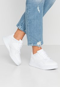 Lacoste - COURT SLAM - Baskets basses - white - 0