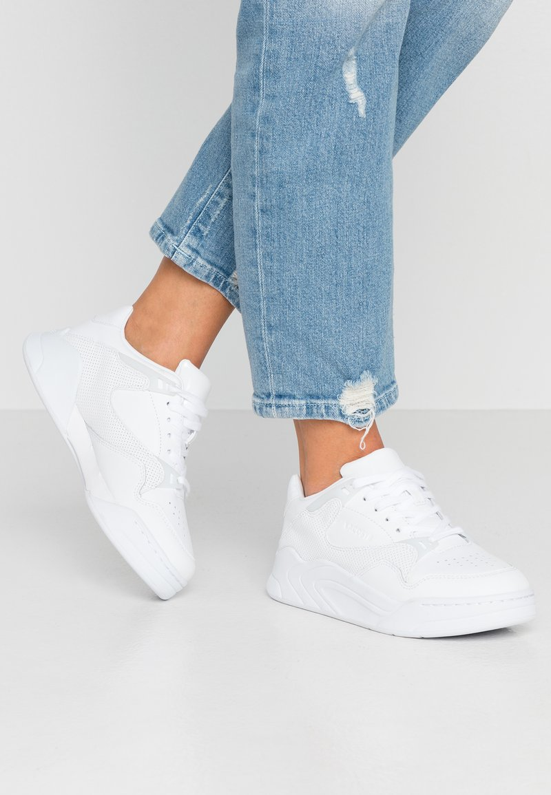 Lacoste - COURT SLAM - Baskets basses - white