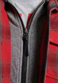 Superdry - EVEREST STORM - Zip-up hoodie - red ombre - 2