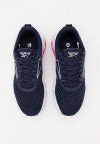 Reebok - LIQUIFECT 180 2.0 - Zapatillas de running neutras - vector navy/glass pink/pink - 3
