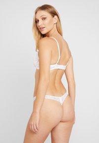Boux Avenue - EMMELINE THONG - String - white - 2