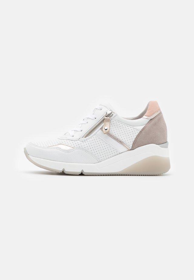 Sneakers laag - weiß/puder/rosa