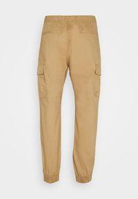 Tommy Jeans - ETHAN JOGGER - Cargo trousers - classic khaki - 7