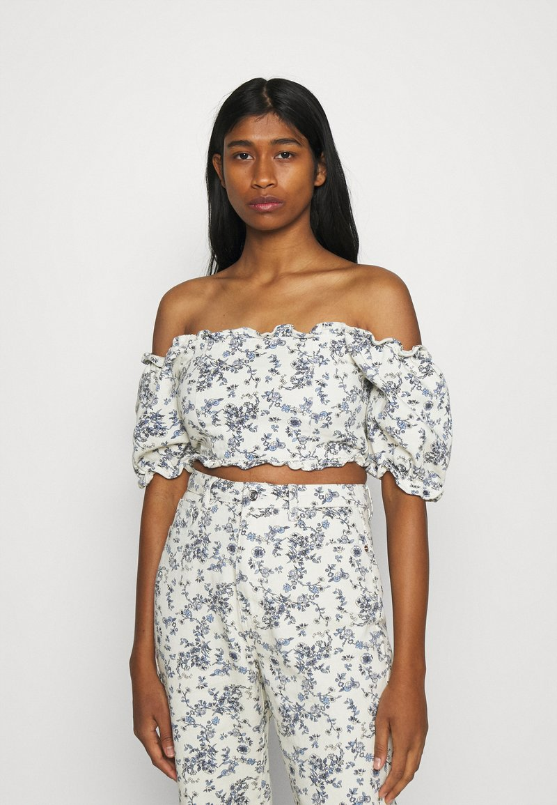 Missguided - FLORAL SQUARE PUFF SLEEVE - Print T-shirt - white