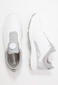 Skechers Performance - TORQUE TWIST - Golfové boty - white/gray - 1