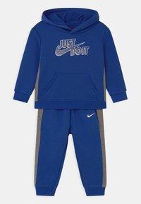 Nike Sportswear - SET - Tracksuit - game royal - 0