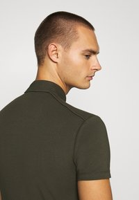 Antony Morato - PLATE ON FRONT - Polo shirt - green - 3