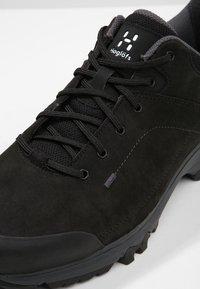 Haglöfs - RIDGE GT MEN - Hiking shoes - true black - 5