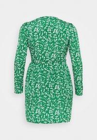 Missguided Plus - PRINTED WRAP MINI DRESS - Day dress - green - 0