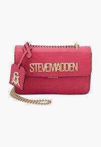 Steve Madden - BSTAKES - Across body bag - pink - 1