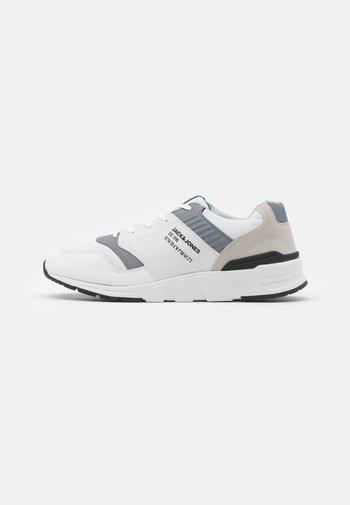 JFWATTAK - Sneakers - white