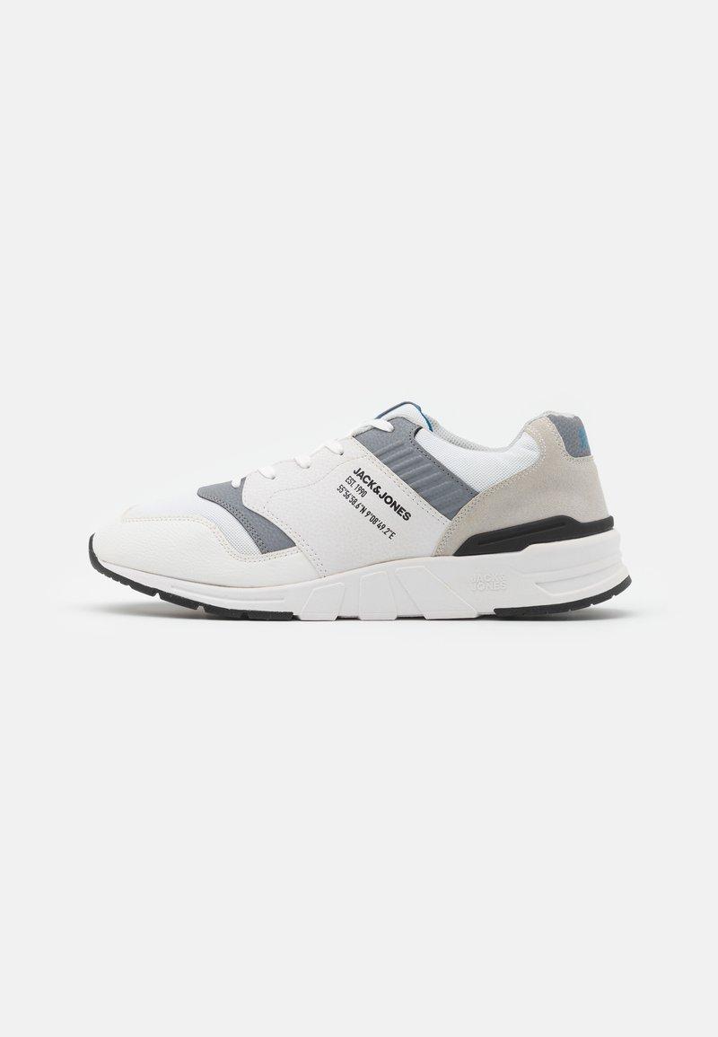 Jack & Jones - JFWATTAK - Sneakers - white