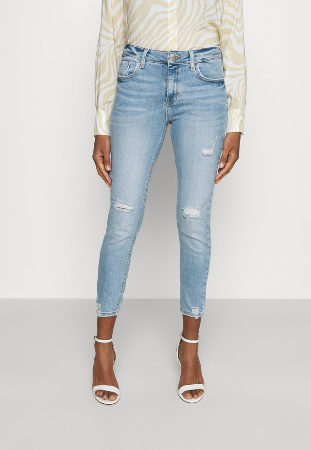 AMELIE WAKE - Slim fit jeans - light auth