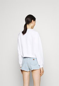 Levi's® - VINTAGE RAGLAN CREW - Sweatshirt - gradient white - 2