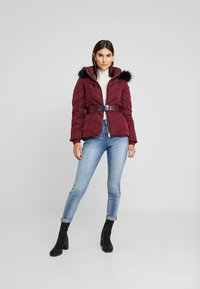 Guess - PETRA JACKET - Dunjakke - martina red - 1
