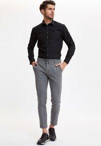DeFacto - Formal shirt - black - 1
