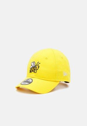 BEE 940 - Cap - yellow