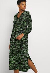 Vero Moda - VMMELLA COLLAR DRESS - Maxi dress - black - 4