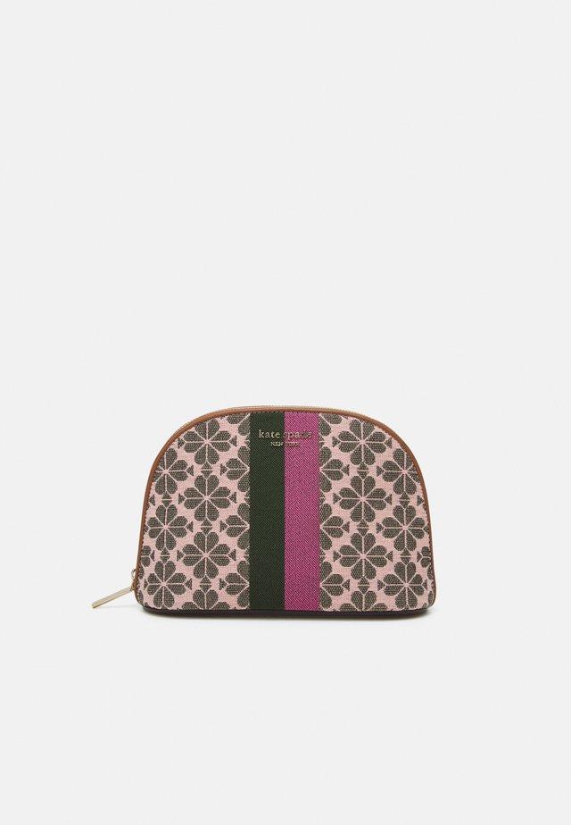 LARGE DOME COSMETIC - Kosmetická taška - pink