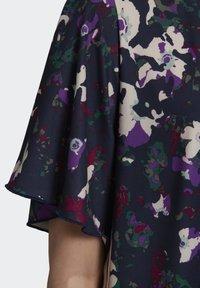 adidas Originals - BELLISTA SPORTS INSPIRED LOOSE DRESS - Sukienka z dżerseju - multicolor - 7