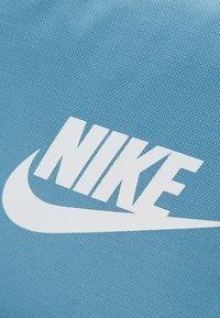 Nike Sportswear - FUTURE PRO DUFF - Sports bag - thunderstorm/cerulean/white - 3