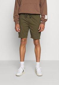 Newport Bay Sailing Club - Shorts - khaki - 0