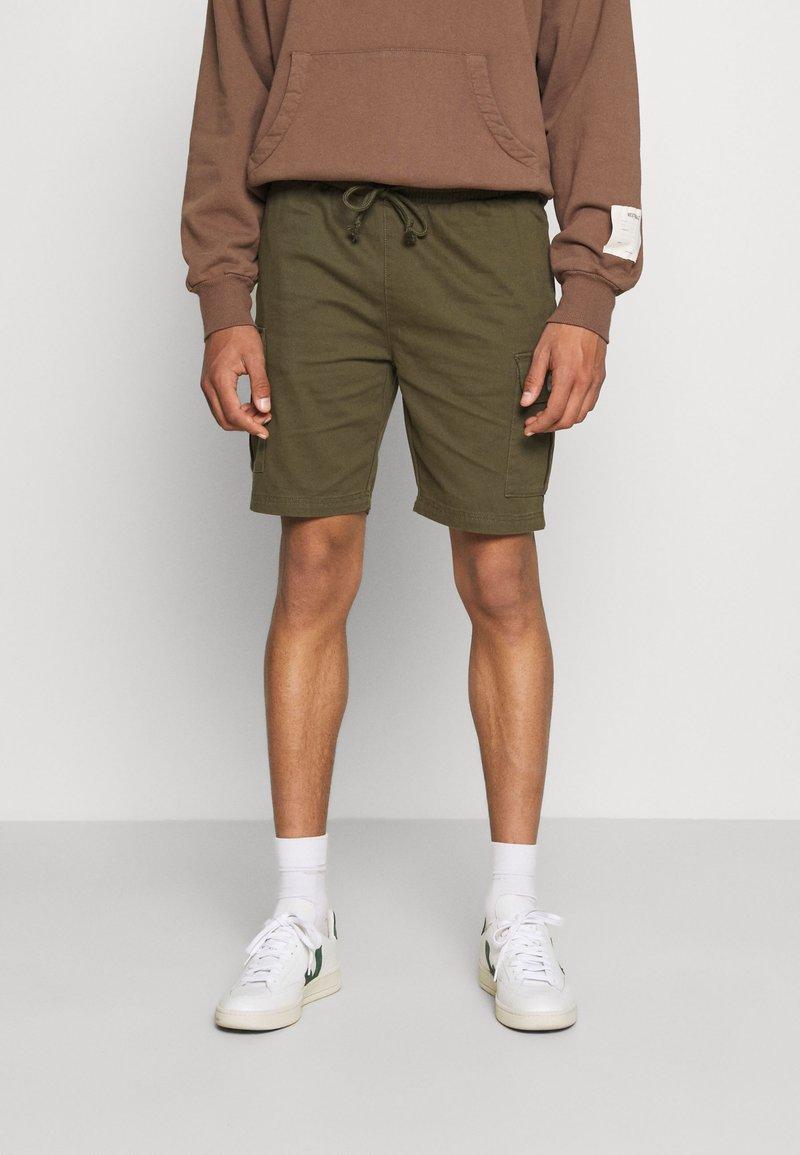 Newport Bay Sailing Club - Shorts - khaki