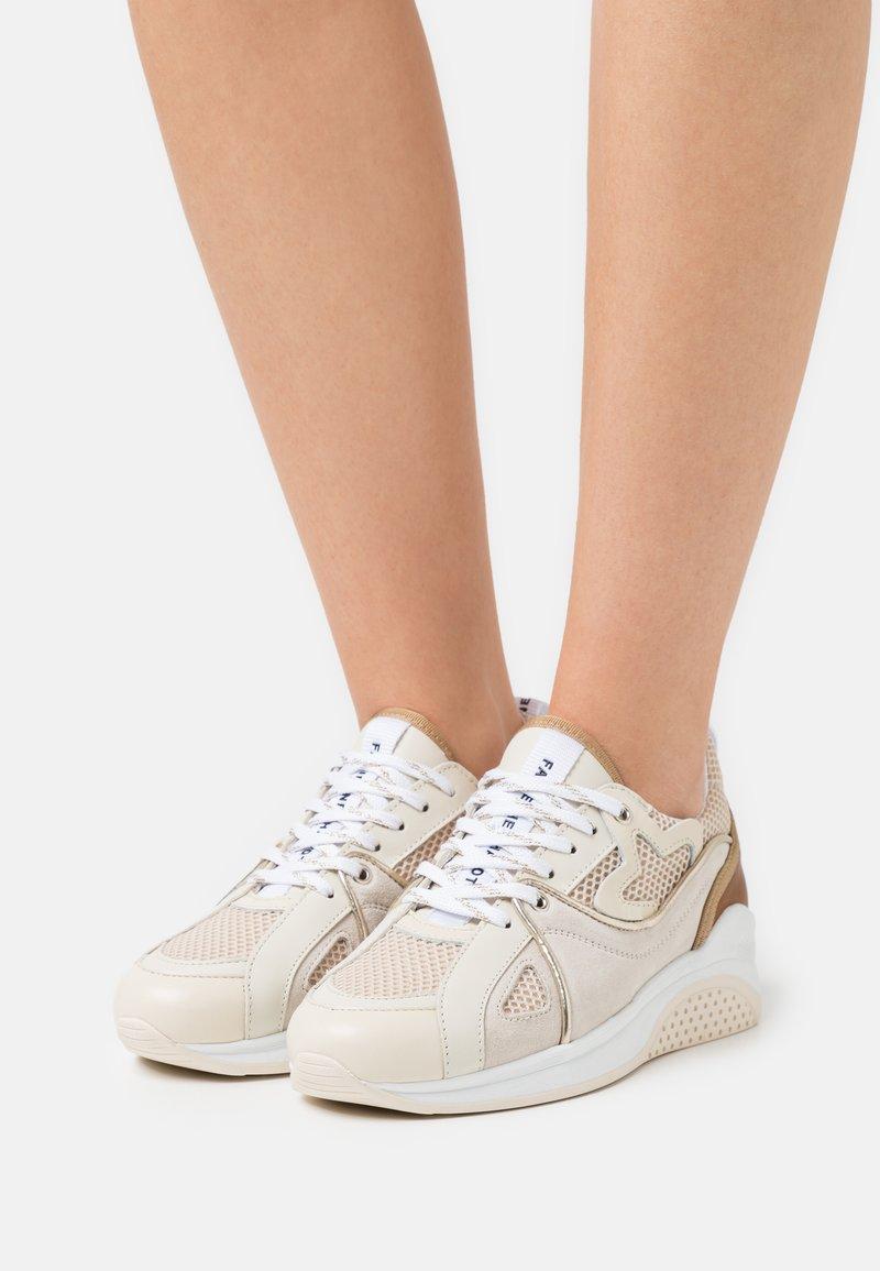 Fabienne Chapot - RISING STAR  - Sneakersy niskie - cream/white