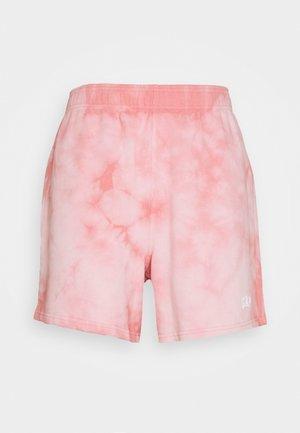 BOYFRIEND SHORT - Shorts - pink