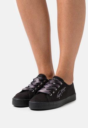 ESSENTIAL GRADIENT - Sneakers basse - black