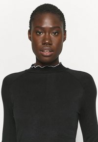 Free People - SOLID HIGH JUMP - Long sleeved top - black - 3