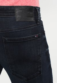 Tommy Jeans - SKINNY SIMON - Jeans slim fit - cobble black - 4
