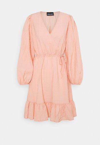 PCLOLA DRESS  - Robe d'été - rose cloud