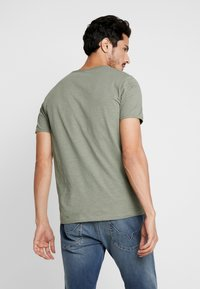 Selected Homme - SLHMORGAN NECK TEE - Basic T-shirt - sea spray - 2