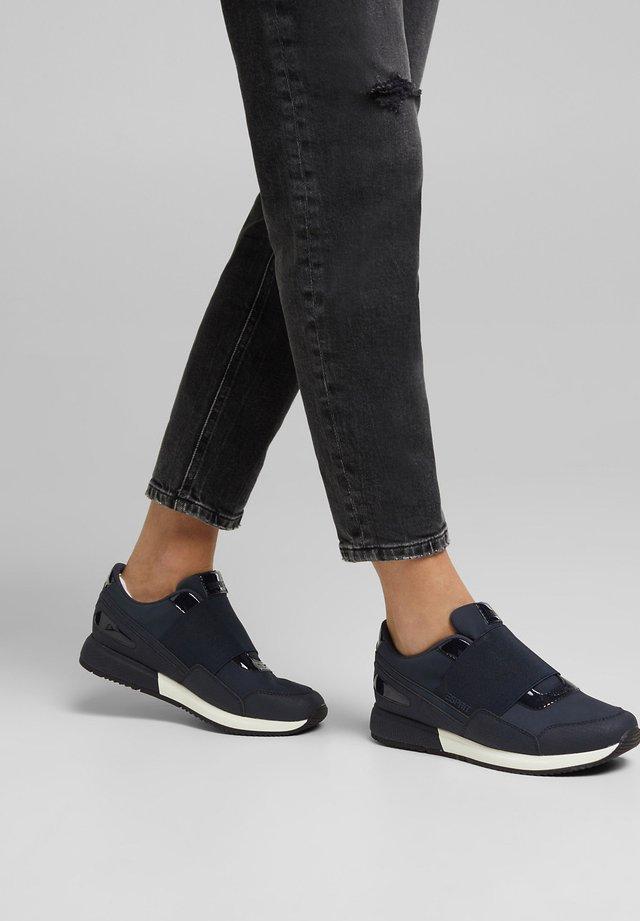 MIT LACK-DETAILS - Sneakers laag - navy