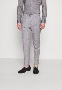 1904 - POULSDEN TAPERED GINGHAM - Pantalon de costume - blue - 0