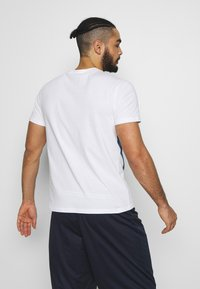 Champion Rochester - ROCHESTER GRAPHIC CREWNECK - Print T-shirt - white - 2