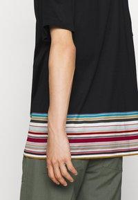 Paul Smith - OVERSIZE - T-shirt print - black - 5
