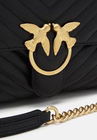 Pinko - LOVE CLASSIC CHEVRONNE - Handbag - black - 4
