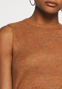 JDY - JDYELANOR VEST - Toppi - leather brown - 5