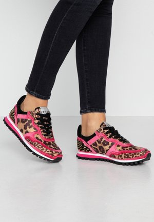 Trainers - fuxia