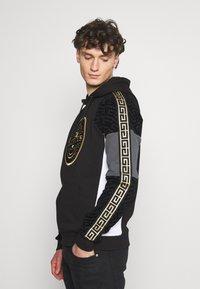Glorious Gangsta - BOTTAGOHOODIE - Jersey con capucha - black - 3