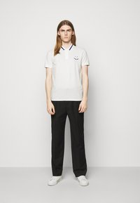 PS Paul Smith - MENS SLIMFIT FACE - Polo shirt - white - 1