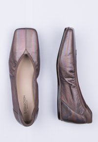 TJ Collection - Slip-ons - bronze - 4