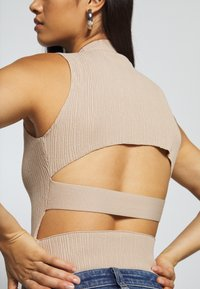 Missguided - CUT OUT BACK BODYSUIT - Top - taupe - 4