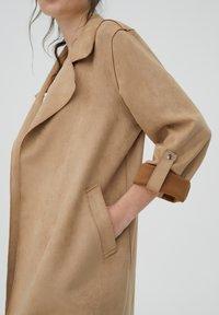 PULL&BEAR - Short coat - mottled beige - 3